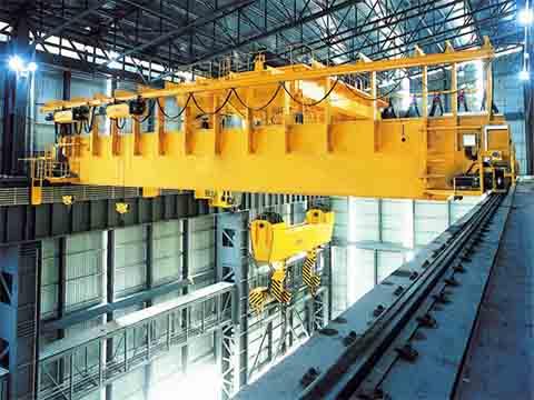 Крюковой мостовой кран 100 тонн фото