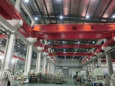 Мостовой кран с крюками 40 тонн