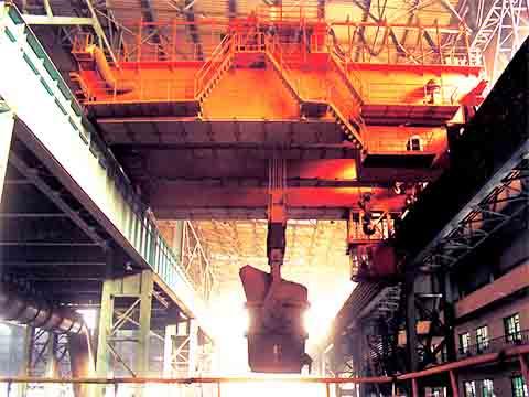 Фото двухбалочный мостовой кран для сталелитейных заводов 50 тонн